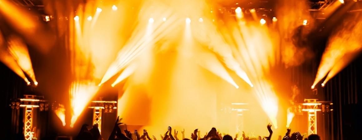 Empresa especializada na sonorização, iluminação, DJ e distribuição de imagens para eventos de qualquer porte. Localizada na zona sul de Porto Alegre/RS.